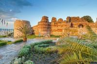 Античната крепост в Несебър