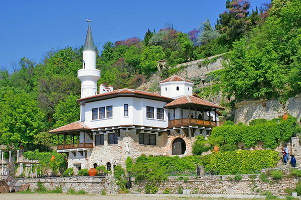 Дворецът и ботаническата градина в Балчик